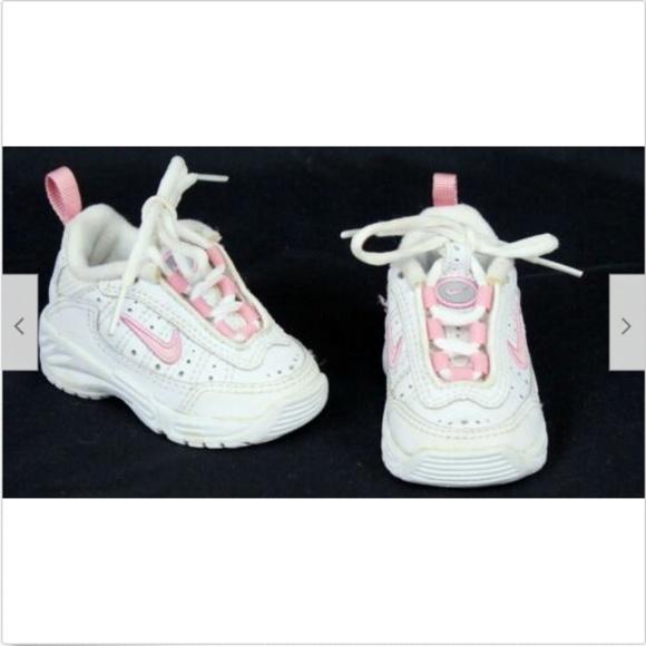 Nike Girls Baby Shoes Sz 2c Whitepink